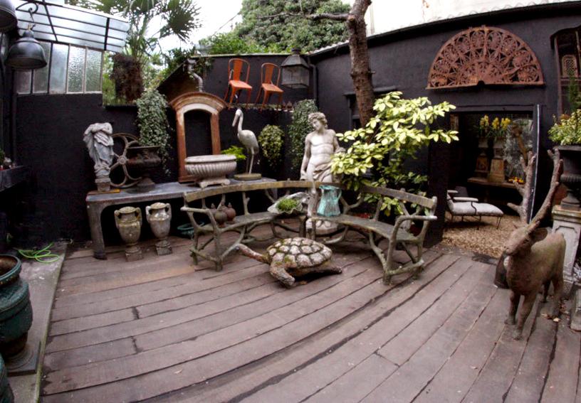 Un singe en hiver un film culte et une enseigne d 39 antiquit s d coration et art du jardin for Idees deco jardin d hiver