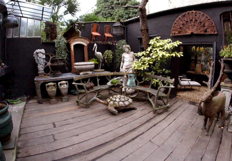 Un singe en hiver un film culte et une enseigne d 39 antiquit s d coration et art du jardin for Decoration jardin d hiver